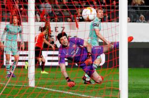 Trận thua sốc của Arsenal